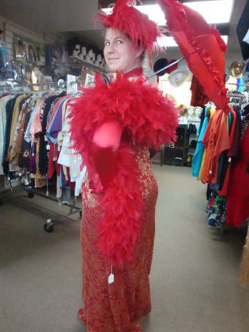 gallery/gal/Costumes_and_Customers/ladyinred.jpg